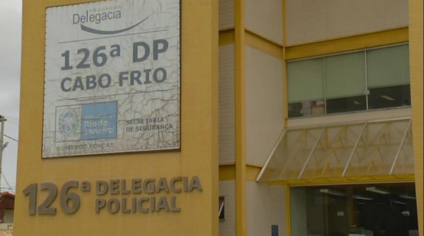 AÇÕES POLICIAIS - Passageiros têm celulares roubados em assalto a ônibus em Cabo Frio