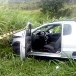 ACIDENTE – Motorista fica ferido após carro bater em poste na Via Lagos, em Araruama