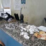 AÇÕES POLICIAIS – Adolescente é apreendido com drogas e armas em São Pedro da Aldeia