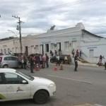 ACIDENTE – Carro bate em bicicleta e ciclista fica ferido no Centro de São Pedro da Aldeia
