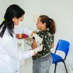 SÃO PEDRO DA ALDEIA – Saúde aldeense imuniza mais de 2 mil pessoas em Dia D contra a febre amarela