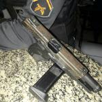 AÇÕES POLICIAIS – Dois homens são detidos com pistola no bairro Jardim Esperança, em Cabo Frio