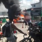 CABO FRIO – Bombeiros combatem fogo em van na RJ-140