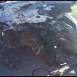 ACIDENTE – Colisão deixa carros parcialmente destruídos e pessoas feridas na RJ-106