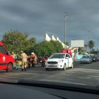 ACIDENTE – Ciclista fica ferido ao ser atingido de raspão por caminhão em Cabo Frio