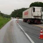 ACIDENTE – Colisão entre carreta e caminhão deixa feridos e tráfego com 'pare e siga' por cinco horas na BR-101