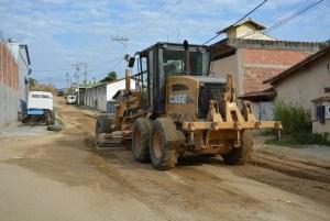 Ações visam a melhoria da mobilidade urbana e implantação de esgotamento sanitário