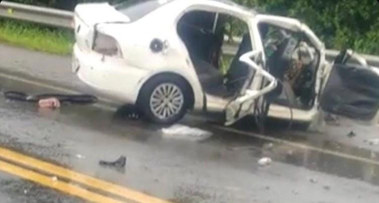 Quatro pessoas da mesma família morrem em acidente na BR-101, em Macaé, no RJ — Foto: Reprodução/Redes sociais