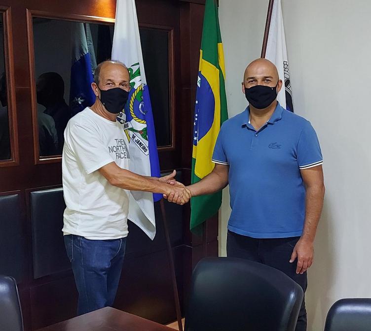 Cláudio Viviani pede desligamento da Secretaria de Desenvolvimento Econômico de São Pedro da Aldeia