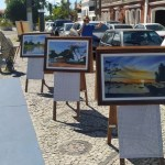 'Varal fotográfico' reúne registros amadores e profissionais na Orla Scliar, em Cabo Frio