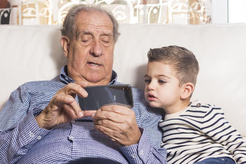 Dia Internacional do Idoso - 5 dicas para uma utilização amigável do smartphone em qualquer idade