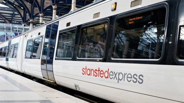 stansted-express-comparte-servicios-booking