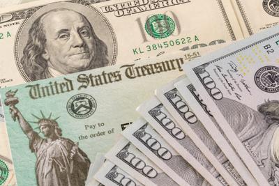 La Casa Blanca dice que tercer cheque de estímulos llegará a la mayoría de los que recibieron el segundo