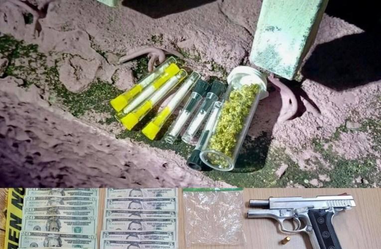 Policías intervienen en residencial Los Laureles, barriada Vista Alegre y barriada Corea en Dorado y arrestan un hombre con sustancias controladas