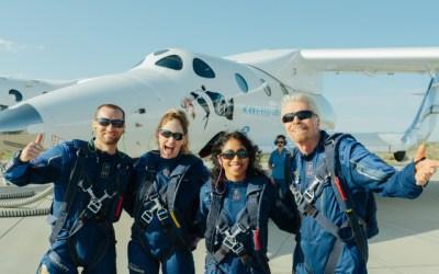 Virgin Galactic y Richard Branson celebran el lanzamiento de los primeros pasajeros al espacio