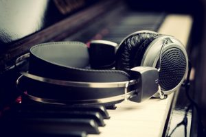 music_studio-headphone_088K[1]
