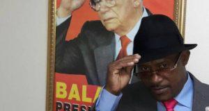 [:es]Hallan muerto al coleccionista de los sombreros de Joaquín Balaguer[:]