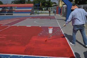 Fernando Rosa asume trabajos reparación cancha y remozamiento instalaciones Club Luis Veras