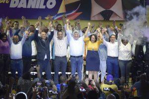 Peledeístas de Santiago estremecen la Gran Arena en respaldo a gestión de gobierno de Danilo Medina