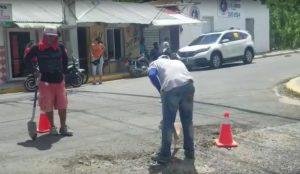 Rodolfo Reyes realiza jornada de reparación de calles en Sabana Iglesia