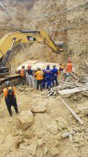Rescatan quinta persona muerta en derrumbe
