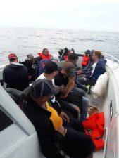 Armada detiene 35 personas en viajes ilegales en la Altagracia y Samaná