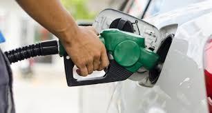 Bajan precios de las gasolinas y GLP