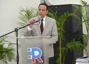Ministerio de Educación convoca a licitación para adquirir equipos tecnológicos para estudiantes y docentes, con una inversión superior a los RD$9,000 millones