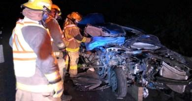 Un hombre sin vida y otro lesionado en accidente en carretera Torreón