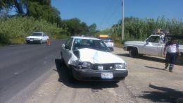 Imprudencia de chofer causa accidente