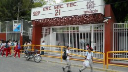 Pide ayuntamiento a la SEP resolver problema de hacinamiento en escuelas