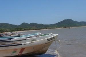 Rescatan a dos pescadores que continuaban desaparecidos en aguas de Oaxaca