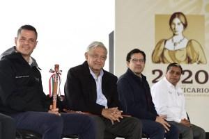 Visita el presidente, el Hospital Rural Tlaxiaco IMSS Bienestar y refrenda compromiso con la salud