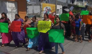 Marchan mujeres indígenas contra la violencia de género en Oaxaca