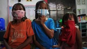 Más de 140 mil personas en refugios, tras tifón en Filipinas