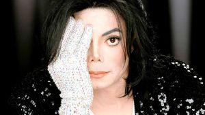 Anonymous filtra supuesta última llamada de Michael Jackson, que revelaría que fue asesinado