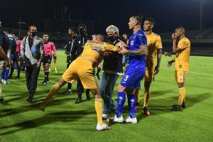 ¿Por qué fue el pleito entre Cruz Azul y Tigres?