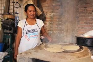 """Gastronomía oaxaqueña presente en """"Street Food Latinoamérica"""" de Netflix. Se entrena hoy"""