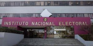Inicia proceso electoral el INE con honores a la Bandera
