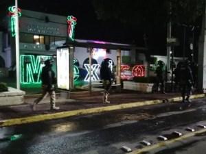 Desalojan a manifestantes de instalaciones de  Derechos Humanos del Edomex, en Ecatepec