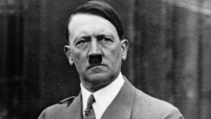 Suspenden a policías alemanes por compartir foto de Hitler