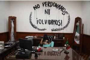 AMLO culpa a medios de magnificar protestas y toma de CNDH