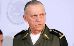 Suspenden audiencia de Cienfuegos por desorden de la prensa