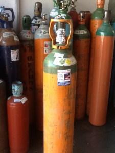 Sólo tres empresas pueden comercializar tanques de oxígeno, afirma PROFECO