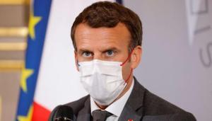 Dictan 18 meses de prisión a hombre que cacheteó a presidente de Francia