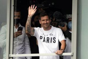 Cálida bienvenida a Messi en París