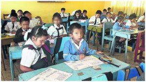 Ley que beneficia a escolares menores de 6 años en la polémica.