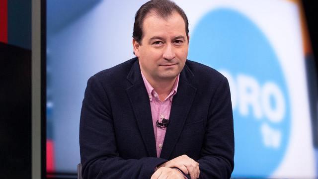 mario campos es periodista de foro tv y titular de agenda publica