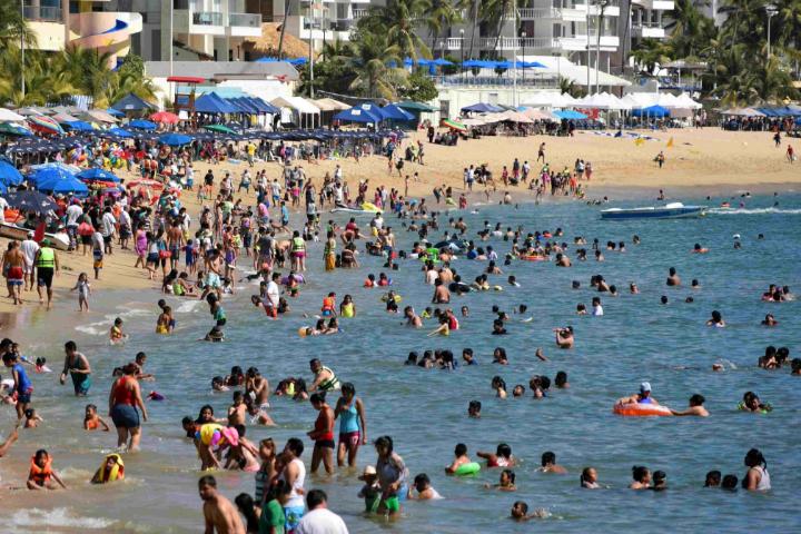 Reportan ocupación del 95% en hoteles de Acapulco, Guerrero