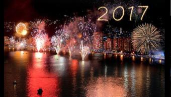Guerrero recibe el año 2017 con fuego pirotécnicos